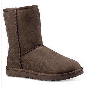 UGG Chocolate Brown Classic Short Boot 11 Like New